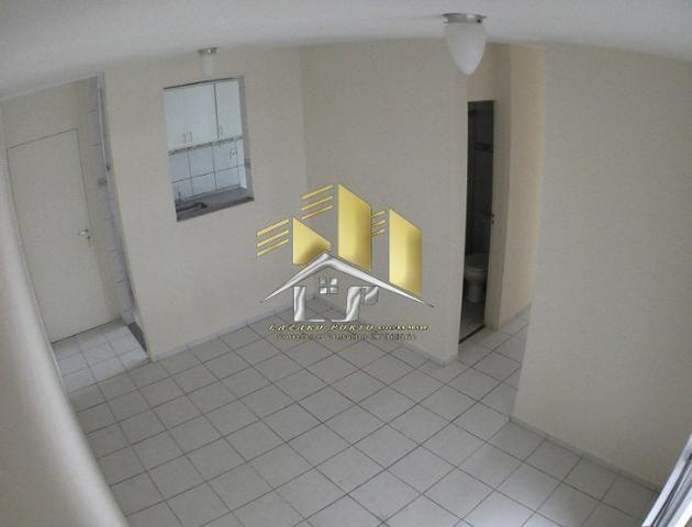 Laz- Alugo apartamento 3Q condomínio com lazer completo - Foto 3
