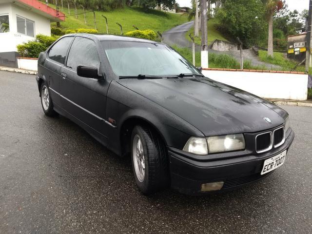 BMW 318i COMPACT ANO 95 MANUAL 4 CC COMPLETA FUNCIONA - Foto 5