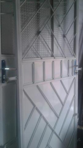 Temos portas e janelas novas completas! - Foto 4
