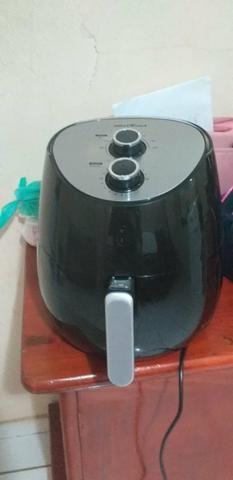 Fritadeira Eléctrica 5,5 litros-Britânia