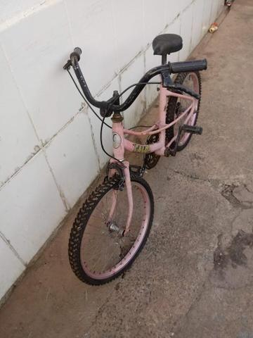 Bicicleta infantil aro 20 - Foto 6
