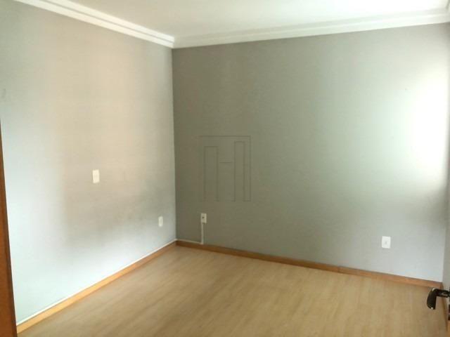 Suíte mais dois dormitórios e duas vagas de garagem lateral - Foto 4