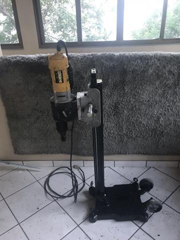 Perfurador perfuratriz de concreto DEWALT
