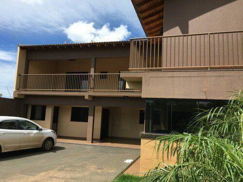 Casa assobradada com 3 quartos - Bairro Jardim Alvorada em Cambé