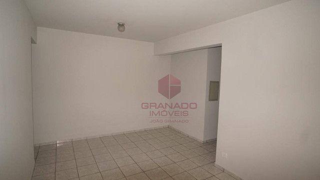 Apartamento com 3 dormitórios para alugar, 70 m² por R$ 1.300,00/mês - Zona 07 - Maringá/P - Foto 4