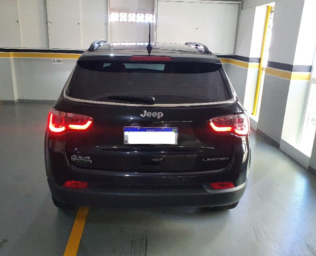 Jeep Compass Limited Diesel com Teto Solar, Park Assist (estaciona sozinho), 18/18 - Foto 8