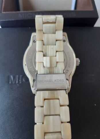 Relógio Michael Kors Jet Set Creme MK-5625 - Foto 4