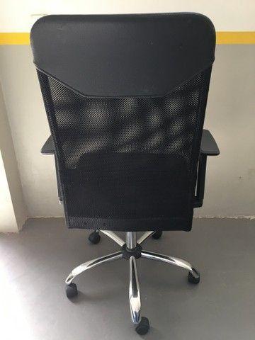 Cadeira Presidente Tela Mesh Preta Reclinável Escritório Giratória Home Office  - Foto 3