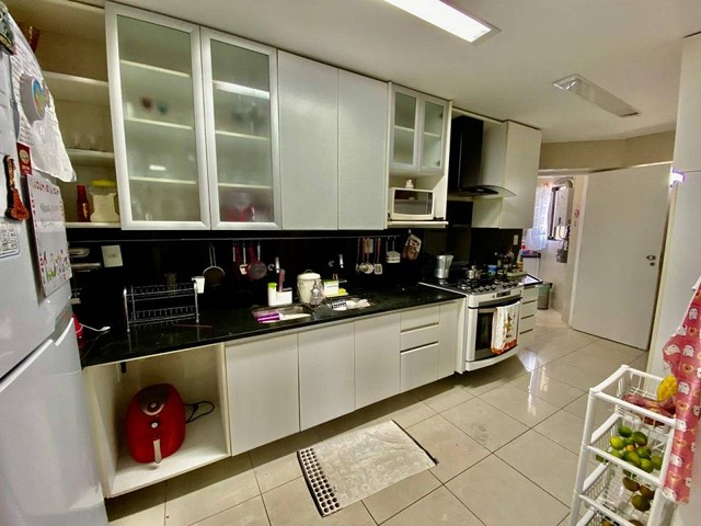 Apartamento para venda possui 200 metros quadrados com 3 suites mais dce.Ponta Verde - Mac - Foto 14