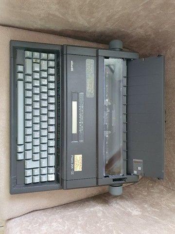 Maquina de Escrever Olivett - Praxis II Usada - Foto 2