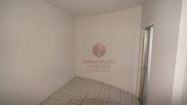 Apartamento com 3 dormitórios para alugar, 70 m² por R$ 1.300,00/mês - Zona 07 - Maringá/P - Foto 12