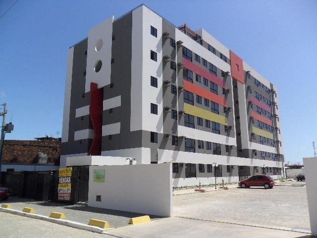 Apartamentos com 02 ou 03 quartos no Pinheiro