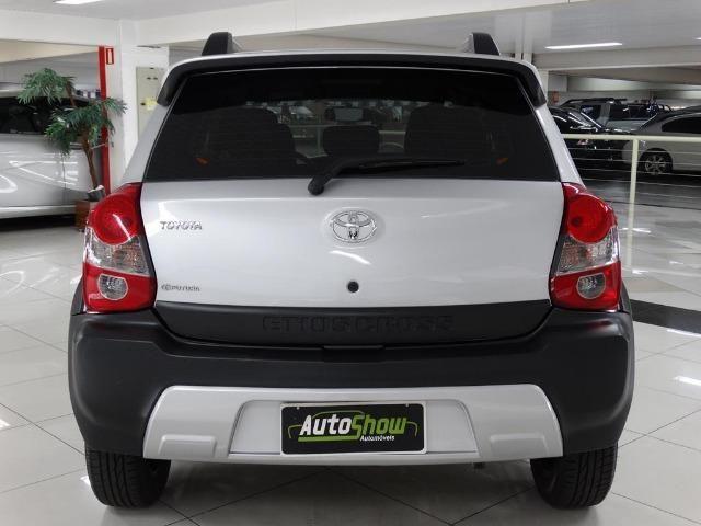 Toyota Etios Cross 1.5 Flex Prata - Foto 5