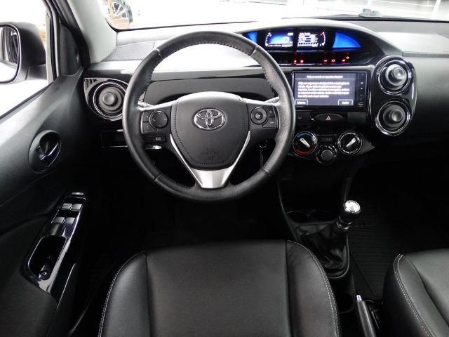 Toyota Etios Cross 1.5 Flex Prata - Foto 7