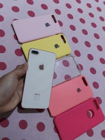 Troco iPhone 8 Plus só venda acompanhar somente carregado! - Foto 4
