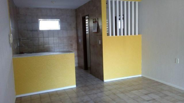 Aluga-se apartamento térreo na Tabuba - Foto 12