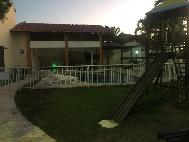 Alugo excelente casa no bairro José de Alencar
