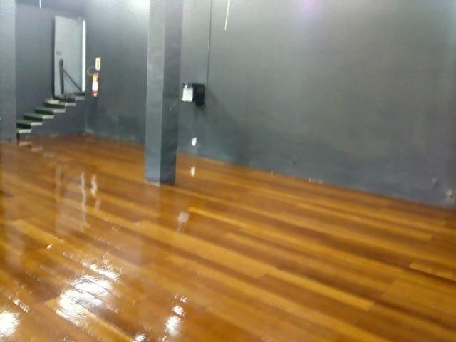 Raspagem e aplicação de sinteco em pisos de madeira - Foto 3
