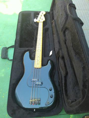 Baixo Fender signature Roger Waters