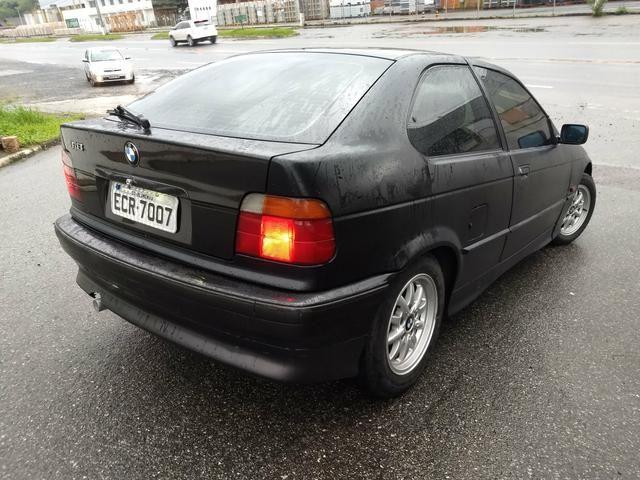 BMW 318i COMPACT ANO 95 MANUAL 4 CC COMPLETA FUNCIONA - Foto 3