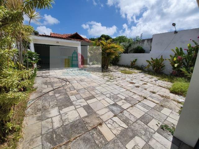 Siqueira Vende: Excelente Casa com 3 quartos e Dependência completa em Massangana Piedade