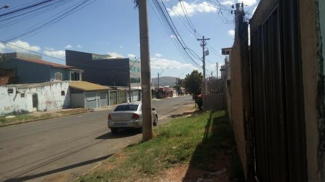 QR 203 lotão avenida entre as quadras, com/resid,casa de fundos 2qts - Foto 5