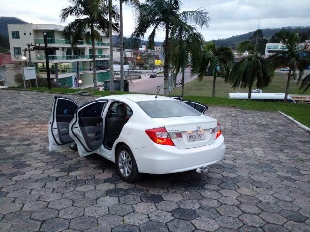 Honda Civic Lxs 1.8 Branco - Baixo KM - Foto 11