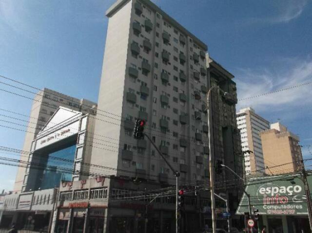 Apartamento com 1 dormitório para alugar, 32 m² por R$ 750/mês - Centro - Curitiba/PR