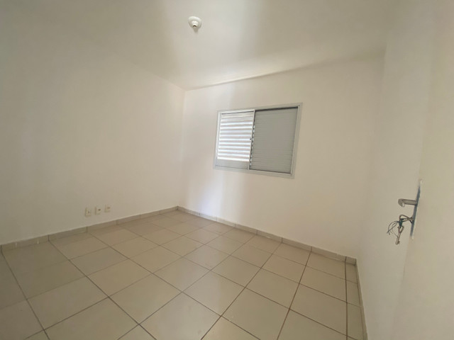 Vende se casa em Condomínio Fechado na região do Portal Shopping saída pra inhumas - Foto 11