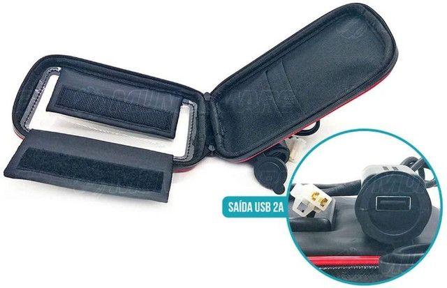 """Suporte Case USB para Carregar Celular para Moto e Bicicleta 360º 6.3"""" - Foto 3"""