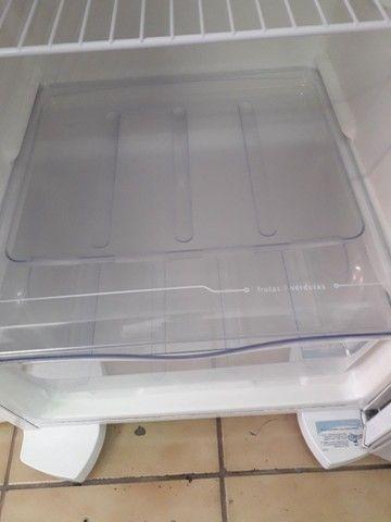 Refrigerador Eletrolux. 240L. - Foto 5
