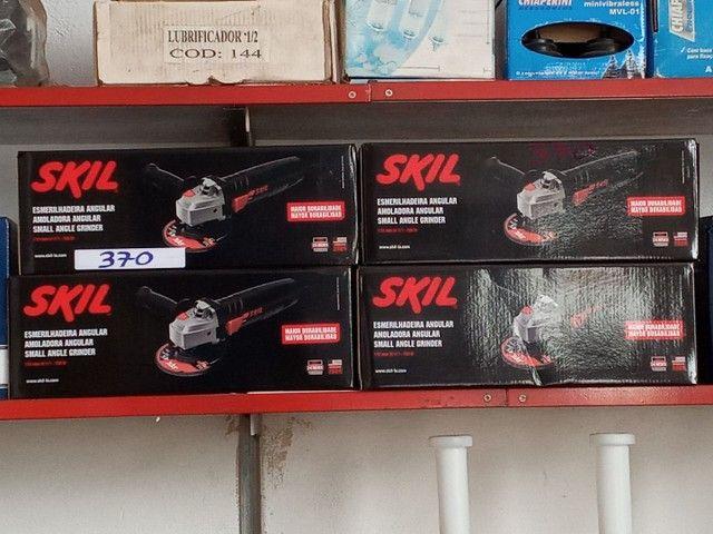 Esmelhadeira 4pol Skil de 700w nova  - Foto 2