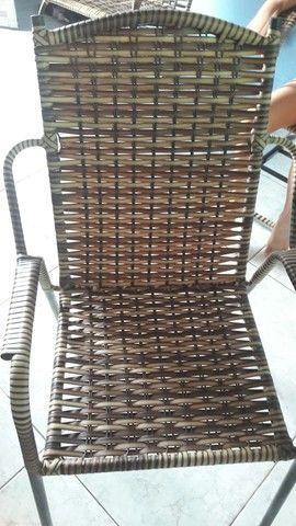 Vende-se duas cadeiras semi-nova