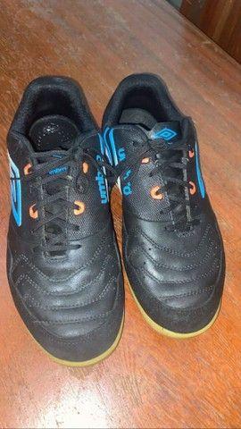 Chuteira Futsal TAM 42 valor negociável - Foto 3