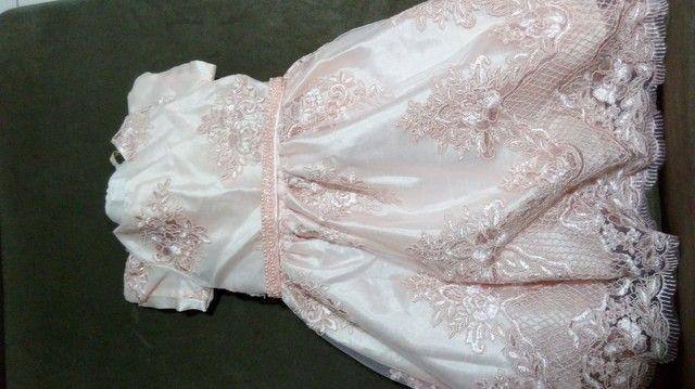 Vestido bordado infantil