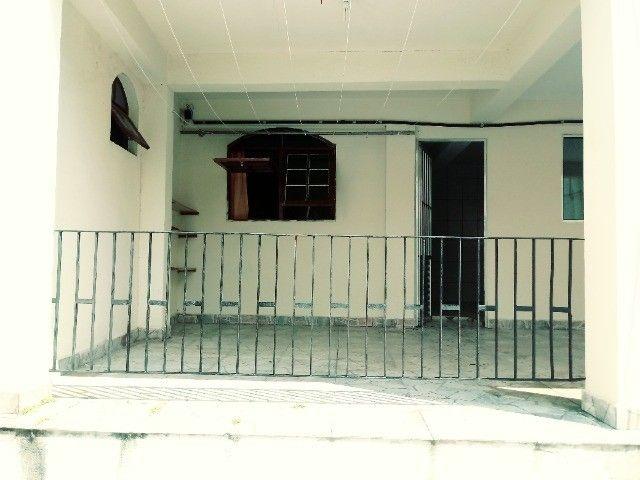 Aluga-se casa térrea 2 cômodos - Foto 2