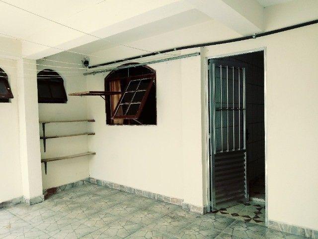 Aluga-se casa térrea 2 cômodos - Foto 3