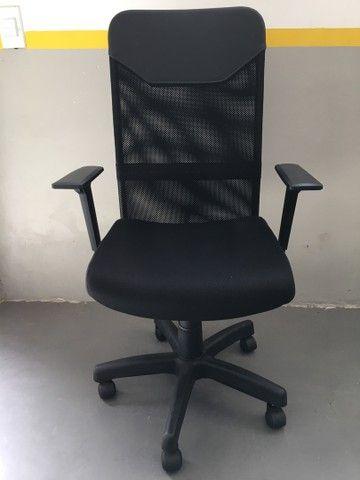 Cadeira Presidente Tela Mesh Black Giratória Escritório Home Office