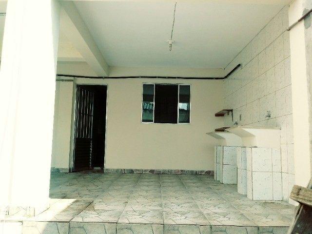 Aluga-se casa térrea 2 cômodos - Foto 6