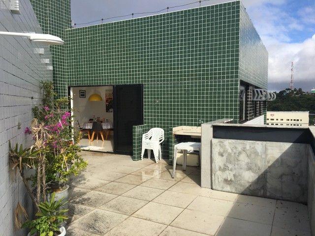 Vende-se excelente cobertura Garden com três quartos sendo uma suíte. - Foto 20