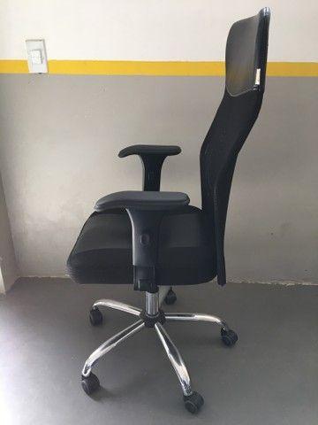 Cadeira Presidente Tela Mesh Preta Reclinável Escritório Giratória Home Office  - Foto 2