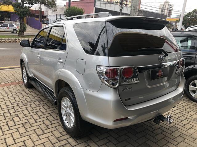 Toyota Hilux Sw4 3.0 Disesl Aut. 4x4 - Foto 4
