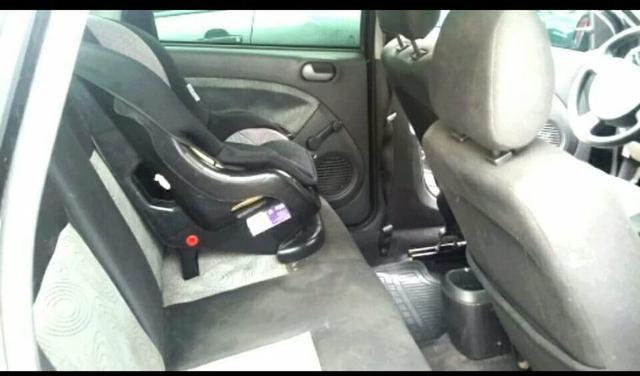Ford fiesta 1.0 sedan 2009 - Foto 6