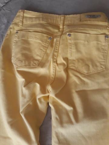 Calça Jeans amarela. Tamanho 38