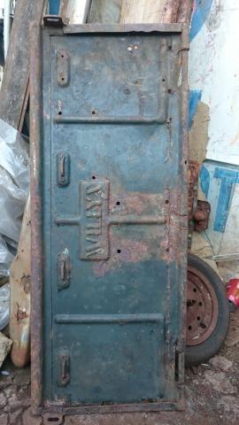 Ferro velho de peças de carros antigos Willys - Foto 2