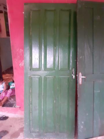 1 porta e 2 janelas usadas em bom estado + 1 de brind