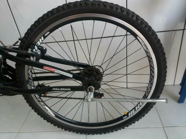 Barbada! bicicleta semi nova aro 26!!! - Foto 5