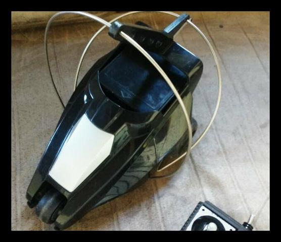 Vendo carrinho de controle remoto Revolver relíquia - Foto 3