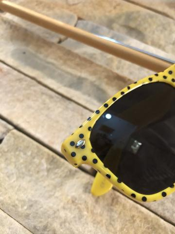 Óculos de sol wayfarer bolinhas - Foto 3