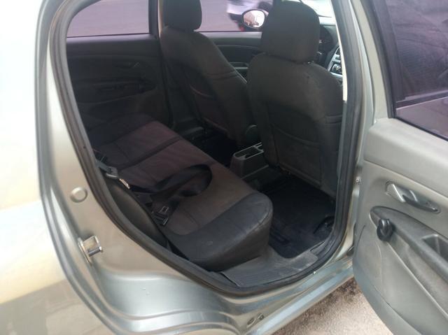 Fiat Punto 1.4 Attractive 2011 Completo - Foto 13